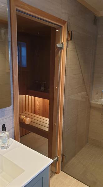 Spesialtilpasset badstue på kjellerbad